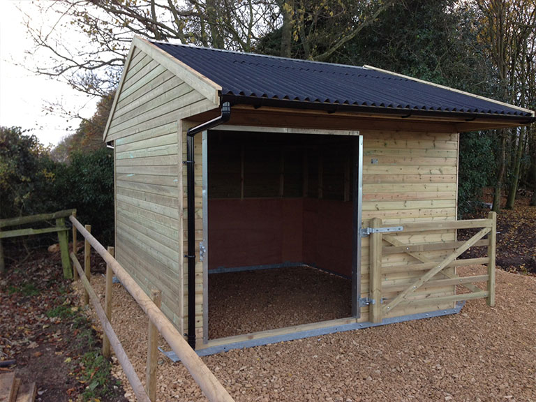 Field Shelters Product : Field shelters for sale mobile or fixed ashford stables